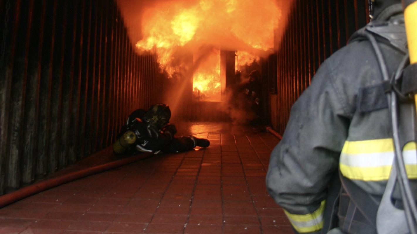 Novi instruktorski tečaj u Šapjanama - Gašenje požara u zatvorenom prostoru