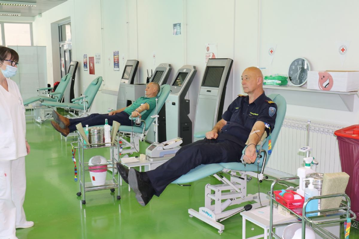 Dobrovoljnim darivanjem krvi vatrogasci obilježavaju svoj dan